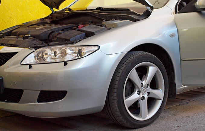 Naprawa reflektorów Mazda 6