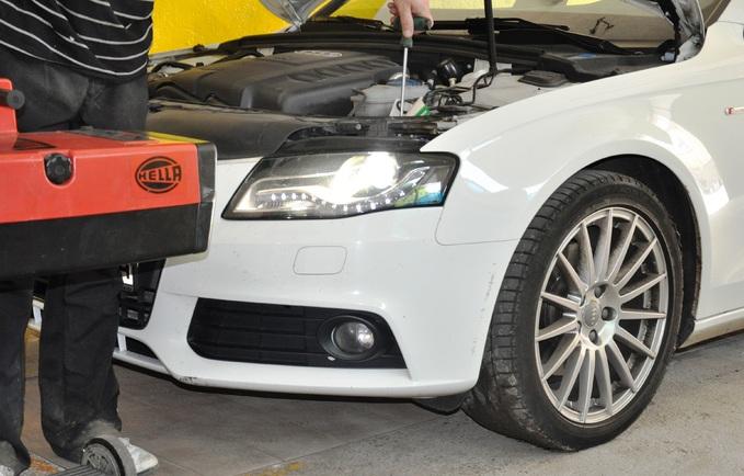 Wymiana palnika xenon Audi A4