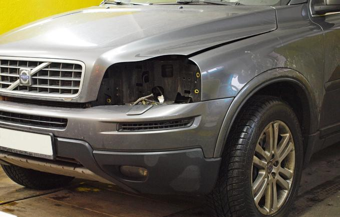 Naprawa reflektorów Volvo