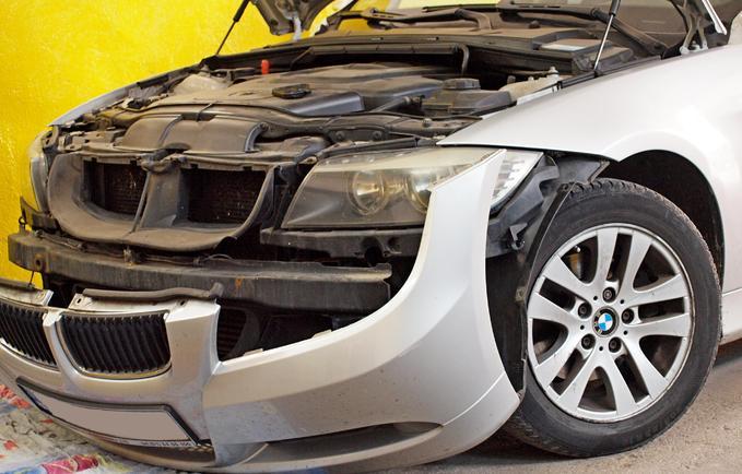 Wymiana ksenonowych lamp wyładowczych BMW