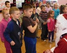 Mikołaj odwiedził dzieci w remizie