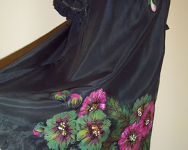 Sukienka z jedwabiu OLIWKA POWÓJ, hafty z Afryki