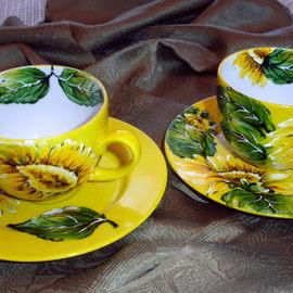 1 filiżanka ze spodkiem, pojemność 220 ml, motyw kwiatowy: słonecznik, cena: 35 PLN