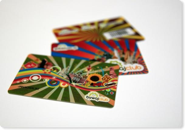 Plastikowe karty programu lojalnościowego Bywaj-Club
