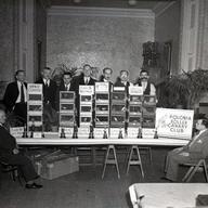 Pic from the 1940's Chicagos Roller Club/ foto del club de Rollers de Chicago lla desaparecido.  I proszę tu można było utworzyć Polonijny Klub Kanarka Harceńskiego a my obecnie w Polsce nie potrafimy.