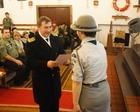 kmdr Zygmunt Białogłowski (Szef Sztabu 8.FOW) odbiera Odznakę Zasłużonego dla Świnoujskiego Środowiska Harcerskiego - Fot. Marcin Królikowski