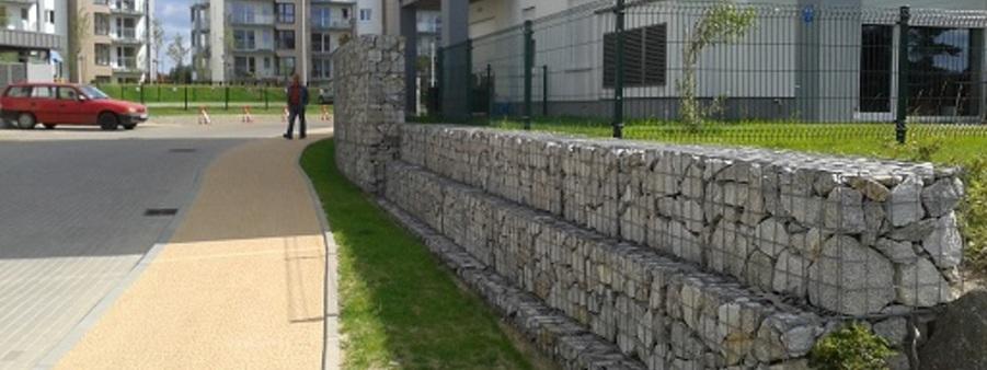 mur oporowy z gabionów kaskada