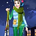 Przygotuj naszą księżniczkę na zimowe przygody narciarskie! Wybierz najlepszy ekwipunek narciarski i zdecyduj, czy spróbuje zrobić niebo lub snowboard. Baw się dobrze wybierając różne projekty strojów i wybierz ten, który najbardziej Ci odpowiada. Baw się grając w PrincessWinter Skiing!