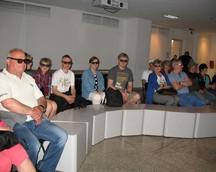 Oglądamy prezentację w 3D : ))