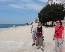 Jesteśmy na promenadzie portowej w Zadarze