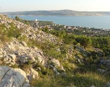 Po powrocie z Zadaru - wieczorem już ja i Wiola wspinamy się jeszcze na okoliczny szczyt - jutro już jedziemy dalej
