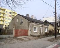Jeszcze jeden parterowy budynek przy ul.Dobrzeckiej