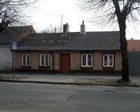 Parterowa zabudowa ulicy Dobrzeckiej