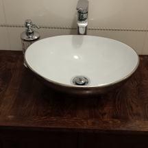 stylowa drewniana szafka dębowa do łazienki okolice wrocławia