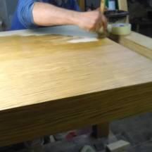 olejowanie mebli, stół drewniany fornirowany wrocław