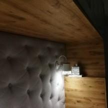 sypialnia z obudową dębową olejowaną stolarz wrocław