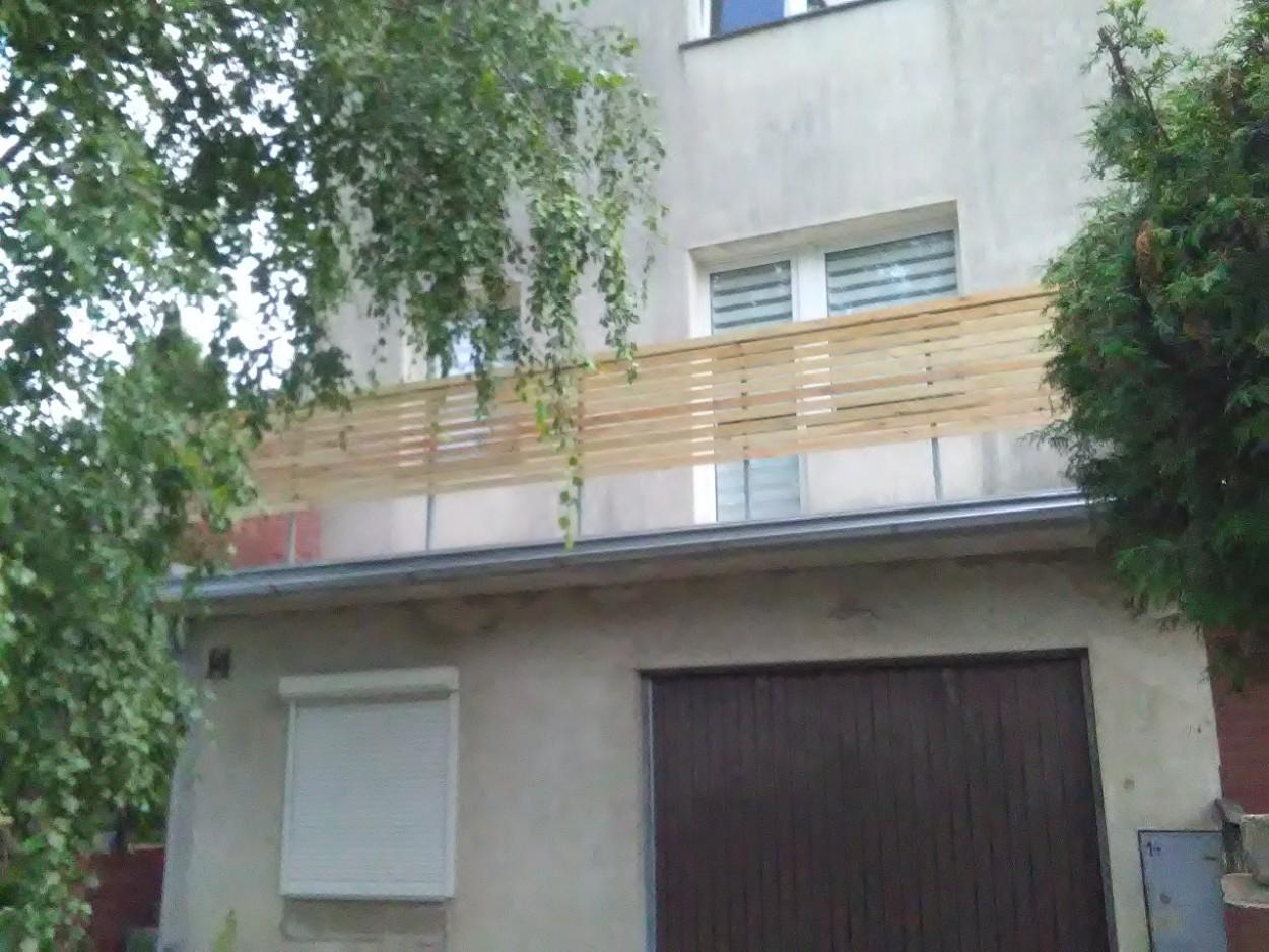 Balustarda balkonowa z drewna wrocław