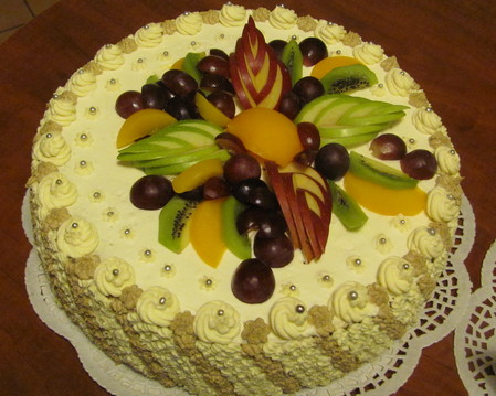 Tort okrągły-owoce