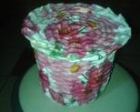 Koszyczek kwiaty wys 14cm, obwód 52cm. Cena 20 zł