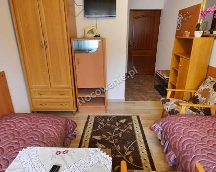 pokój 2 osobowy - duże łóżko lub 2 tapczany