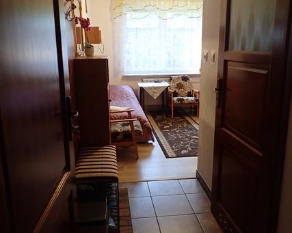 wejście do pokoju